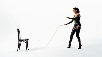 Wonderful Pistachios TV Spot, 'Dominatrix' - Thumbnail 5