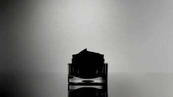 Neutrogena Rapid Wrinkle Repair TV Spot, 'High Hopes' Feat. Julie Bowen - Thumbnail 3