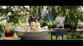 Lipton Sparkling Iced Tea TV Spot, 'Tiny Bubbles' Song by American Authors