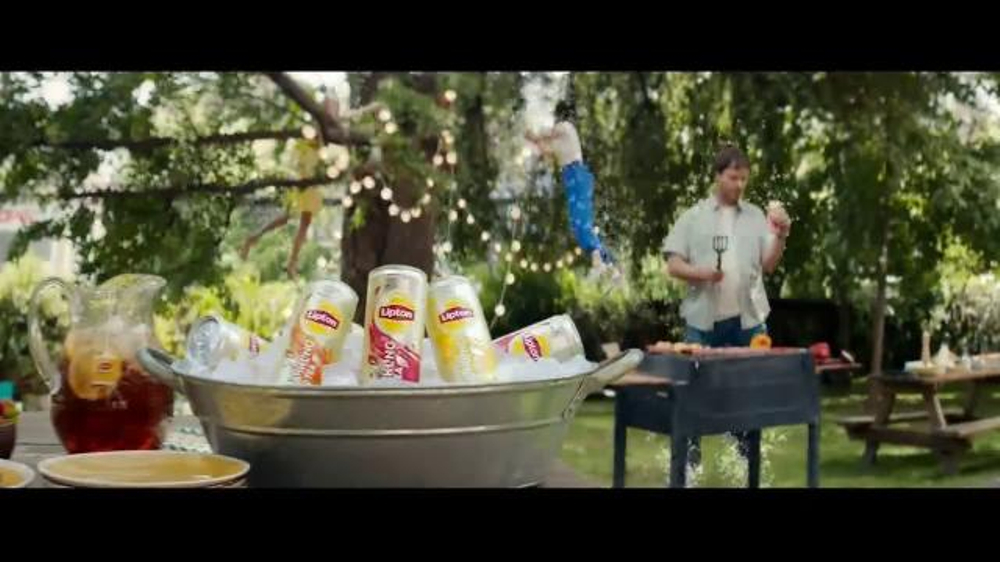 Lipton Sparkling Iced Tea TV Commercial, 'Tiny Bubbles' Song by American Authors