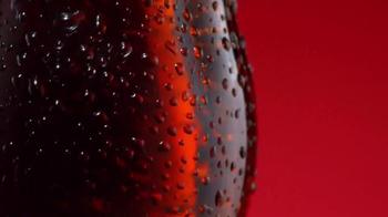 Coca-Cola TV Spot, 'Por Fuera. Por Dentro.' [Spanish] - Thumbnail 1