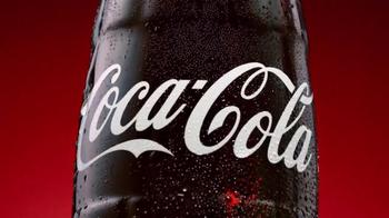 Coca-Cola TV Spot, 'Por Fuera. Por Dentro.' [Spanish] - Thumbnail 4