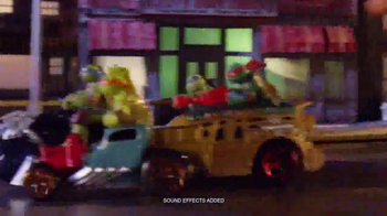 Teenage Mutant Ninja Turtles T-Machines TV Spot, 'The Chase' - Thumbnail 3