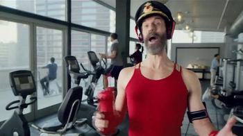 Hotels.com Spring Break Sale TV Spot, 'Captain Obvious Workout' - Thumbnail 4