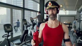 Hotels.com Spring Break Sale TV Spot, 'Captain Obvious Workout' - Thumbnail 5