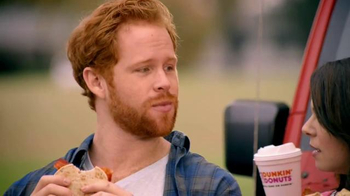 Dunkin' Donuts Spicy Omelet Flatbread TV Spot, 'You Speak Spanish?' - Thumbnail 4