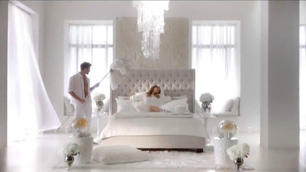 Skechers Memory Foam TV Commercial, 'Dream Come True' Featuring Kelly Brook