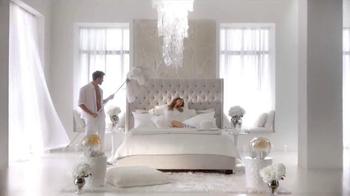 Skechers Memory Foam TV Spot, 'Dream Come True' Featuring Kelly Brook - Thumbnail 4