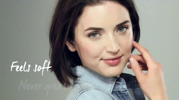 DHC Skincare Deep Cleansing Oil TV Spot, 'Soft, Smooth Skin' - Thumbnail 6