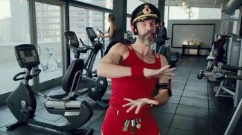 Hotels.com Spring Break Sale TV Spot, 'Captain Obvious Workout: Bathroom' - Thumbnail 2