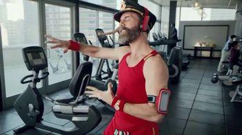 Hotels.com Spring Break Sale TV Spot, 'Captain Obvious Workout: Bathroom' - Thumbnail 5