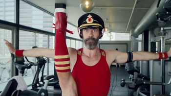 Hotels.com Spring Break Sale TV Spot, 'Captain Obvious Workout: Leg Lift' - Thumbnail 4
