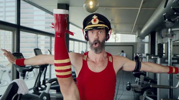 Hotels.com Spring Break Sale TV Spot, 'Captain Obvious Workout: Leg Lift' - Thumbnail 5