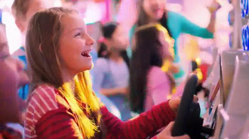 Chuck E. Cheese's Big Deal TV Spot, '250 Tickets Free' - Thumbnail 7