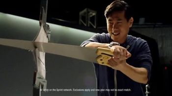 Sprint Cut Your Rate Plan in Half Event TV Spot, 'That's Incredible' - Thumbnail 6