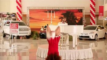 2015 Toyota Prius TV Spot, 'Evento de Ventas Match Perfecto' [Spanish] - Thumbnail 4