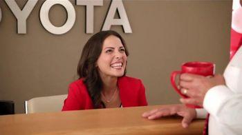 2015 Toyota Prius TV Spot, 'Evento de Ventas Match Perfecto' [Spanish] - Thumbnail 6