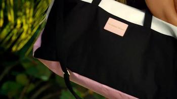 Victoria's Secret Getaway Bag TV Spot, 'Spring's Hottest Bag' - Thumbnail 4