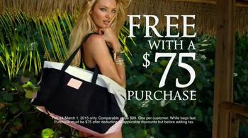 Victoria's Secret Getaway Bag TV Spot, 'Spring's Hottest Bag' - Thumbnail 6