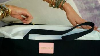 Victoria's Secret Getaway Bag TV Spot, 'Spring's Hottest Bag' - Thumbnail 8
