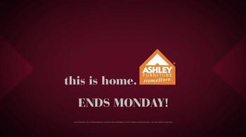 Ashley Furniture Homestore Red Carpet Event TV Spot, 'Go Red' - Thumbnail 6