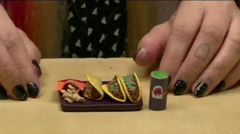 Taco Bell Sriracha Quesarito TV Spot, 'True Fans of the Bell' - Thumbnail 3