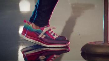 Skechers Sport con Memory Foam TV Spot, 'Única' Con Demi Lovato [Spanish] - Thumbnail 6