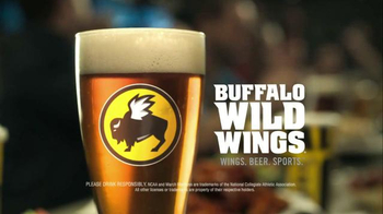 Buffalo Wild Wings TV Spot, 'Pizza to Your Home?' Feat. Stephen Rannazzisi - Thumbnail 10