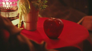 Redd's Apple Ale TV Spot, 'Tiny' - Thumbnail 4