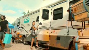 Herbal Essences Moroccan My Shine TV Spot Con Nicole Scherzinger [Spanish] - Thumbnail 2