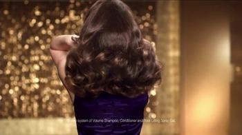 Pantene Volume TV Spot Featuring Zooey Deschanel - Thumbnail 6