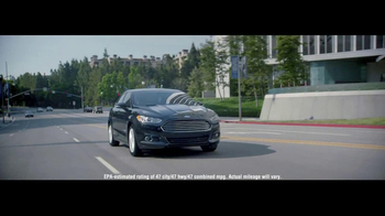 2014 Ford Fusion Hybrid TV Spot, 'Large or in Charge' - Thumbnail 3