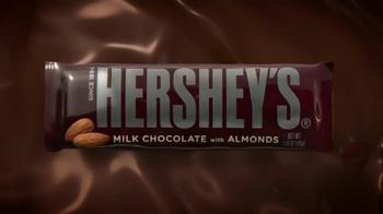Hershey's with Almonds TV Spot, 'Sonrisa' [Spanish] - Thumbnail 1