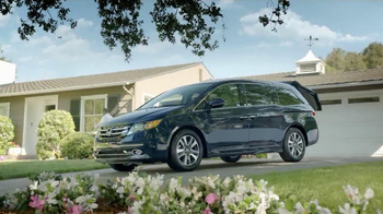 Honda Odyssey TV Spot, 'Talking Dirt: Manual' - Thumbnail 10