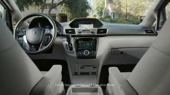 Honda Odyssey TV Spot, 'Talking Dirt: Manual' - Thumbnail 2