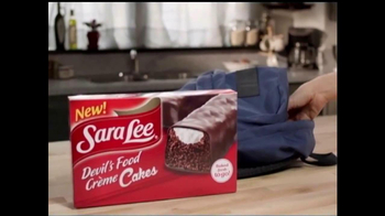 Sara Lee Devil's Food Creme Cakes TV Spot, 'Delicious Snack Moment' - Thumbnail 7