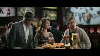 Buffalo Wild Wings TV Spot, 'Mixing Sauces' - Thumbnail 7