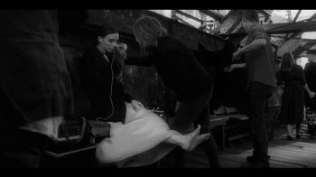 Calvin Klein Downtown TV Spot Feat. Rooney Mara, Song by Yeah Yeah Yeahs - Thumbnail 5