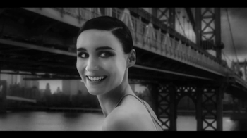 Calvin Klein Downtown TV Spot Feat. Rooney Mara, Song by Yeah Yeah Yeahs - Thumbnail 6
