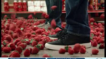 Redd's Strawberry Ale TV Spot, 'Raining Strawberries' - Thumbnail 1