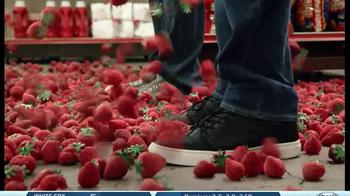 Redd's Strawberry Ale TV Spot, 'Raining Strawberries' - Thumbnail 2