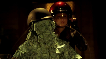 GEICO Motorcycle TV Spot, 'Money Man: Get Away' Song by the Allman Brothers - Thumbnail 7