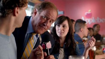 Applebee's 2 for $20 Menu TV Spot, 'Check It Out' Featuring Chris Berman - Thumbnail 5