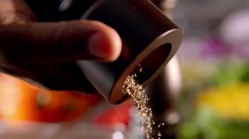 Applebee's 2 for $20 Pepper Grill Entrees TV Spot, 'Promise' - Thumbnail 5