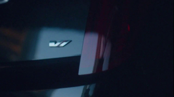 Cadillac Twin Turbo XTS TV Spot, 'Doors' - Thumbnail 4