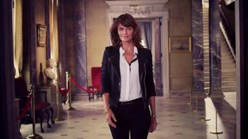 NYDJ TV Spot, 'Walk in Beauty' Featuring Helena Christensen - Thumbnail 8