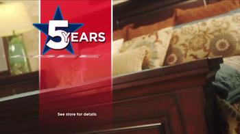 Ashley Furniture Homestore TV Spot, 'Labor Day Savings' - Thumbnail 5