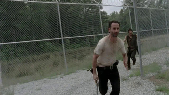 The Walking Dead: The Complete Third Season Blu-ray and DVD TV Spot - Thumbnail 7