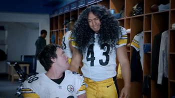 Head & Shoulders For Men TV Spot, 'Hair Transplant' Feat. Troy Polamalu - Thumbnail 10