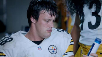 Head & Shoulders For Men TV Spot, 'Hair Transplant' Feat. Troy Polamalu - Thumbnail 4